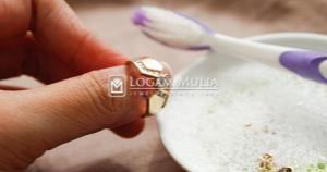 Tips Mudah Membersihkan Perhiasan Emas Putih
