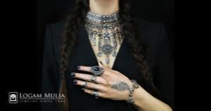 Melihat Kepribadian Wanita dari Jenis Perhiasan yang Dikenakan